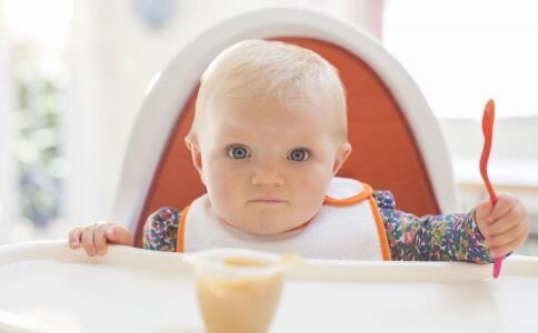 一岁宝宝口臭的原因有哪些