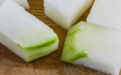 关节疾病有哪些食疗 关节疾病不可以吃什么食物 关节疾病要怎么治疗