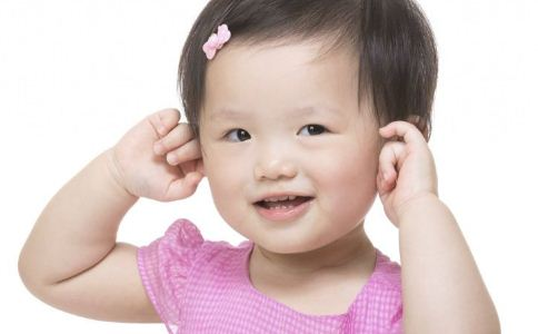对孩子耳朵有害的行为有哪些 如何保护孩子耳朵 保护听力吃什么