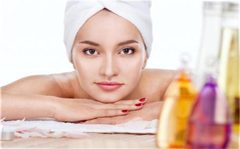 秋季如何保湿补水 皮肤保湿方法 皮肤在秋季怎么保湿
