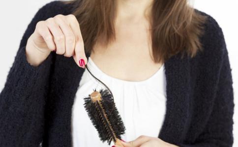 秋天掉发怎么办 掉发如何预防 掉发吃什么