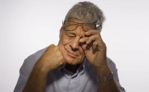眼泪汪汪_老年人常见眼部疾病有哪些_老人保健_老人_99健康网