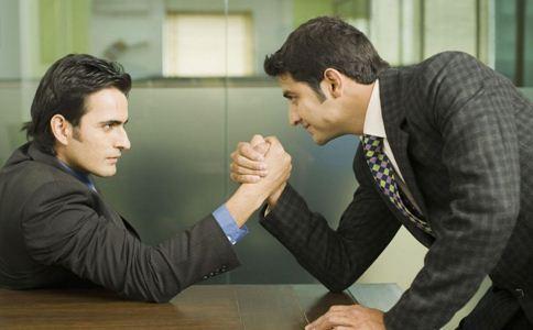 如何培养男性职场情商 职场情商怎么培养 如何提高自己的职场情商