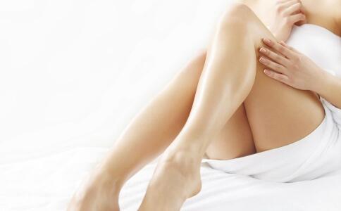 手脚冰凉是怎么回事 如何缓解女性手脚冰凉 手脚冰凉怎么办