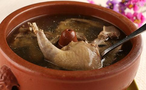 冬季养生汤有哪些 哪些养生汤适合冬季喝 冬季要吃什么养生汤