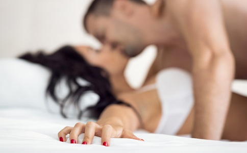 尖锐湿疣一定是通过性传播的吗 尖锐湿疣都是怎么传播的 尖锐湿疣的症状有哪些
