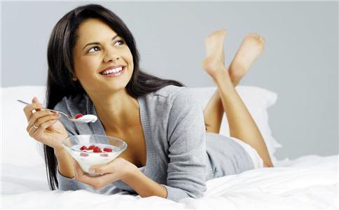 女人阴虚的症状有哪些 女人阴虚症状 女人阴虚吃什么好