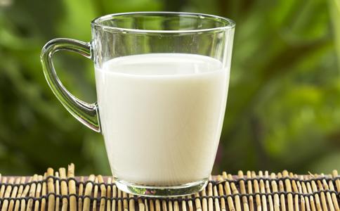 牛奶的食疗方法有哪些 喝牛奶有哪些作用 牛奶的做法有哪些