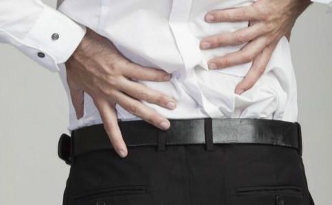腰椎间盘突出有哪些表现 腰椎间盘突出要怎么预防 有哪些方法可以预防腰椎间盘突出