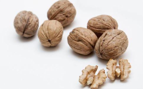 老年人补钙吃什么_老人想补钙可以吃这三种坚果_老人保健_保健_99健康网
