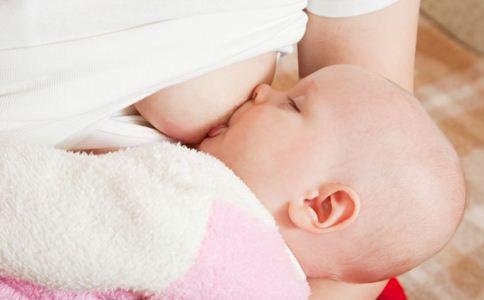 过度喂养的表现 过度喂养的危害 如何判断宝宝吃饱了