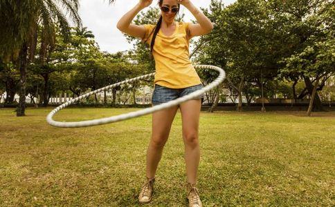 呼啦圈减肥瘦腰的方法有哪些 呼啦圈减肥瘦腰有什么注意事项 呼啦圈减肥瘦腰的原理有哪些
