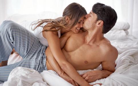 做爱抚摸哪些部位好 性爱的技巧有哪些 性爱的方法