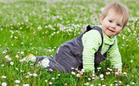 三岁宝宝话特别多 3岁宝宝话多 宝宝话太多
