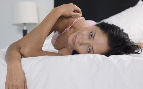 女人裸体阴蒂_bwin做流水是什么意思:女人几岁开始自慰 一般在13岁左右