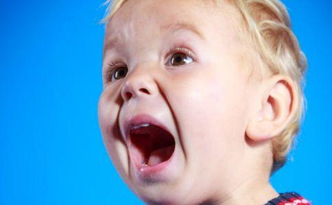儿童口臭的原因 儿童口臭如何治疗 儿童如何护理口腔
