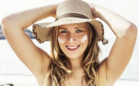 肤质的不同 防晒方法也不同