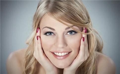 女人经常吃九种食物来保持健康,这样你就能拥有好皮肤。