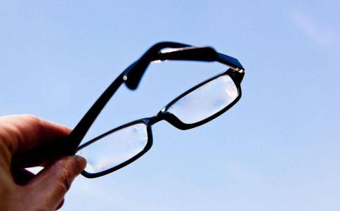 梅花针如何治疗近视眼 梅花针治疗近视的方法 梅花针怎么治疗近视
