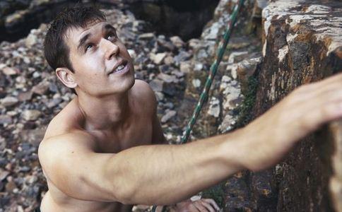 攀岩有什么技巧 极限攀岩运动 极限攀岩需要哪些技巧