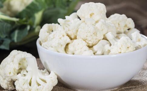如何美白牙齿 吃什么食物美白牙齿 美白牙齿的食物