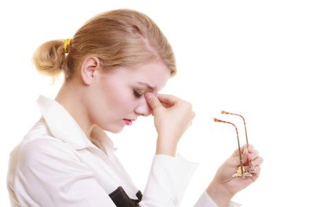 眼睛干涩怎么办 如何缓解眼睛干涩 缓解眼睛干涩的方法有哪些