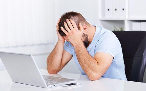 独居男人的心理 男人什么时候容易患上抑郁症 星期天抑郁症