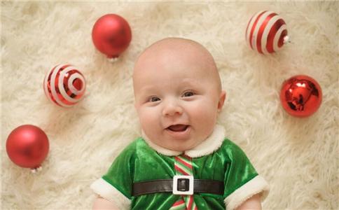 宝宝嘴唇干裂脱皮是什么原因 什么原因会导致嘴唇干裂脱皮 嘴唇干裂脱皮怎么办