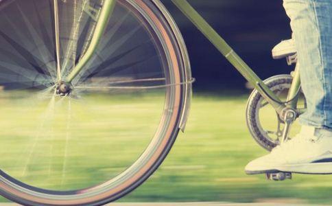 山地自行车的14大技巧 解决骑车受伤图片