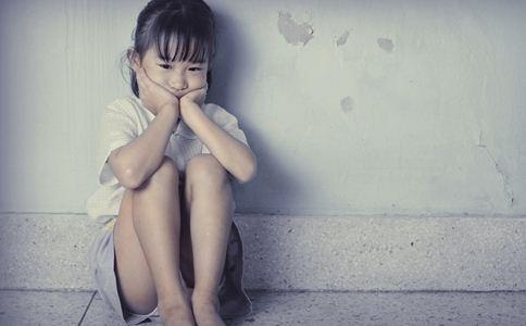 儿童心理异常的表现 儿童心理异常的原因 儿童心理异常的信号