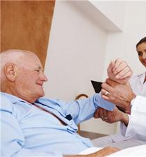 癌症晚期完全可以治愈吗 癌症晚期还要治吗 癌症晚期