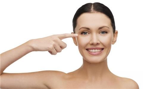 眼部如何保养 女人眼部的保养方法 眼部皮肤日常护理