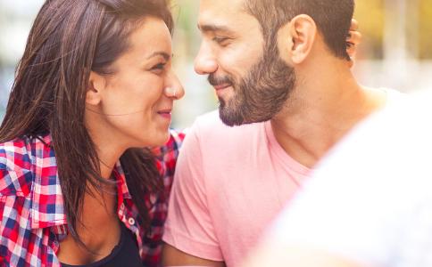 如何与人交往 与人交往要注意哪些 与人交往的方法
