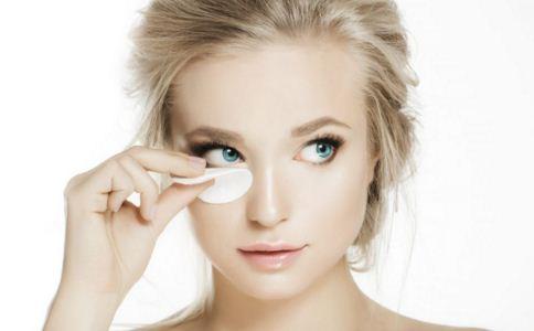 什么时候使用眼膜效果好 眼膜的正确使用方法 眼膜怎么样使用