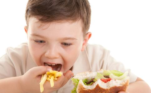 儿童饮食误区 儿童哪些饮食习惯容易导致糖尿病 儿童吃什么食物预防糖尿病
