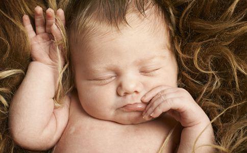 新生儿黄疸的类型 新生儿黄疸的症状 新生儿黄疸怎么办