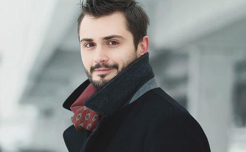 冬季男士服装流行趋势 冬季男士流行穿什么样的服饰 冬季流行的男士服装