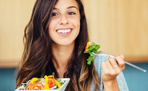 晚餐吃什么可以减肥 水果沙拉的做法 减肥沙拉的做法