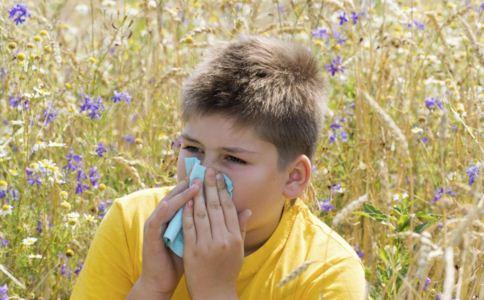 感冒和鼻炎有什么区别 鼻炎的症状有哪些 如何区别感冒跟鼻炎