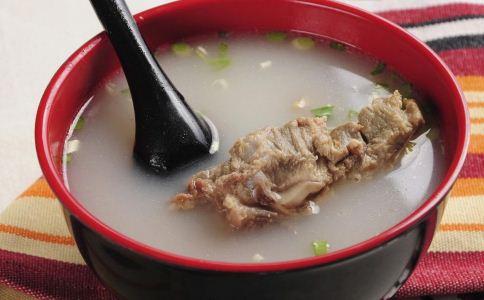 怎么炖骨头汤好喝 骨头汤怎么炖 骨头汤怎么煮