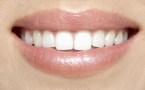 牙齿矫正方法有哪些 如何挑选牙齿矫正的材料 如何矫正牙齿