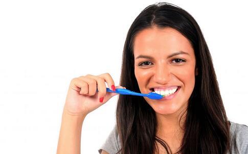拔牙后的护理方法 拔牙后如何护理 拔牙后注意事项