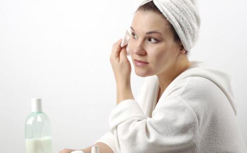 肌肤干燥怎么办 试试这5大肌肤补水方法