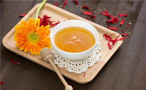 抗衰老吃什么好 滋补药膏有哪些 抗衰老美容吃什么食物
