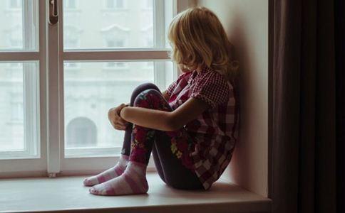 造成抑郁症的原因有哪些 如何预防抑郁症 抑郁症的病因