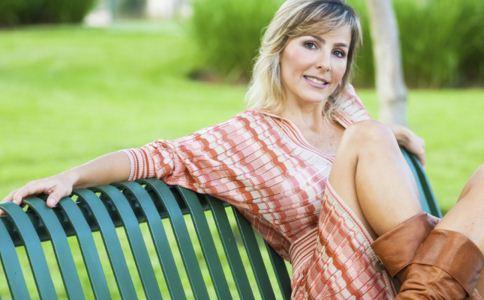 四十岁女人该怎么样保护皮肤 女性化妆品过敏怎么办 女人要怎么样护肤