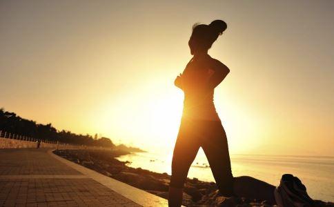 小心跑步跑出病 正确的跑步技巧
