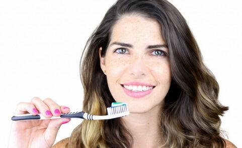 牙周炎有哪些症状 牙周炎的症状是什么 牙周炎的预防