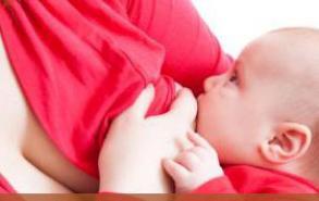 产后多久可以喂母乳?产后半小时内喂第一口