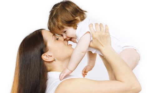 为什么母婴不同一起睡 母婴一起睡觉会有什么坏处 宝宝什么时候可以单独睡觉
